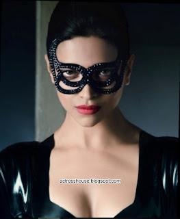 Deepika Padukone hot in tight black dress