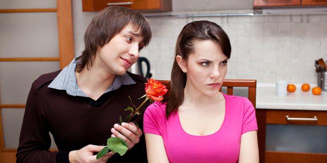 Ketahui Ciri-ciri Pacar Anda Punya Selingkuhan