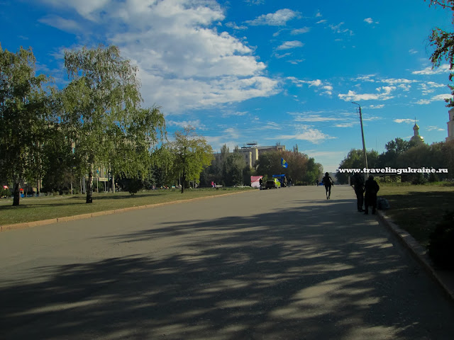 Площадь в Славянске, 2015