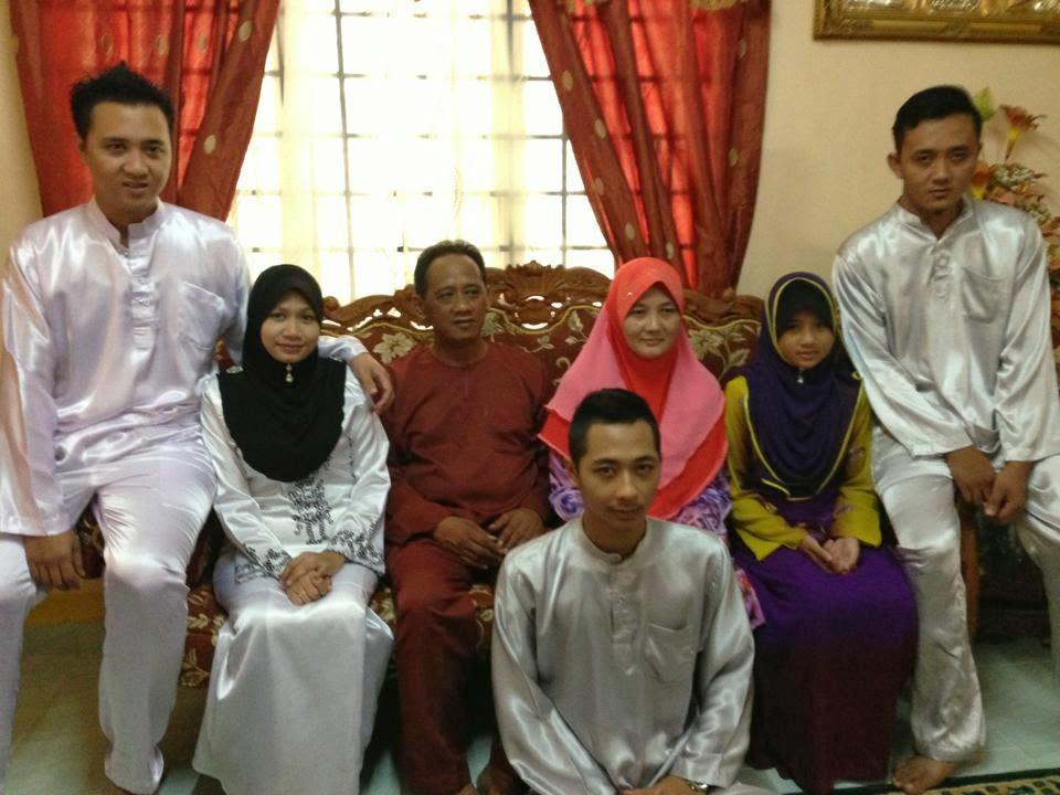 mertua's family (: hehe