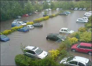 atasi mobil terendam banjir