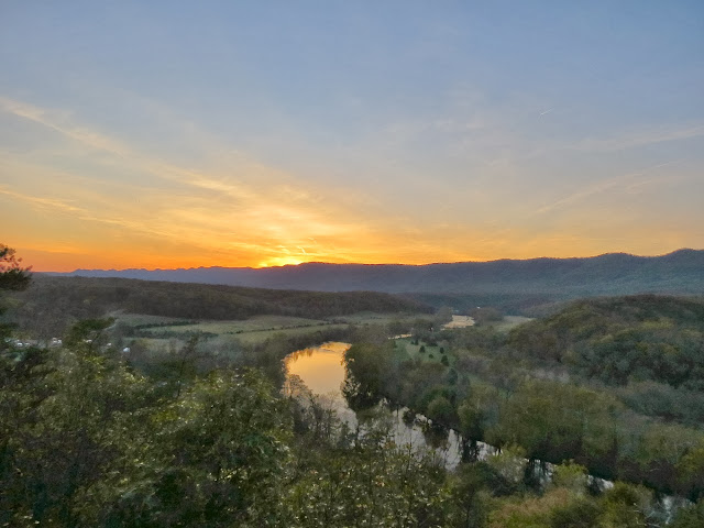 Cullers Overlook at Sunset, Shenandoah River State Park