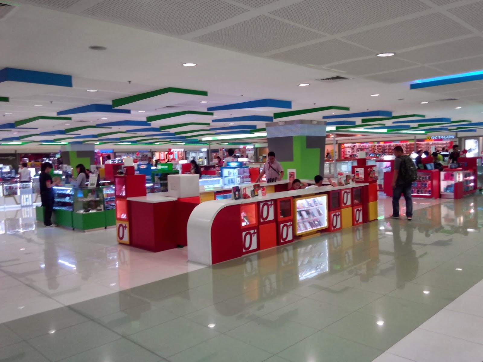 O+ USA Imagine Sample Shot - Inside the mall