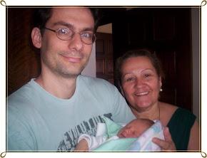Meu filho Carlinhos,minha netinha Cecilia e a Vovó Coruja..