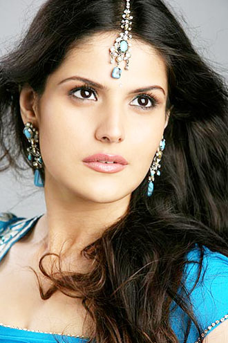 zarine khan hot kissing. Zarine khan#39;s Hot Photos amp;