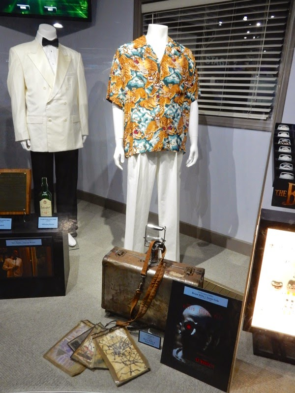Bruce Willis 12 Monkeys movie costume props