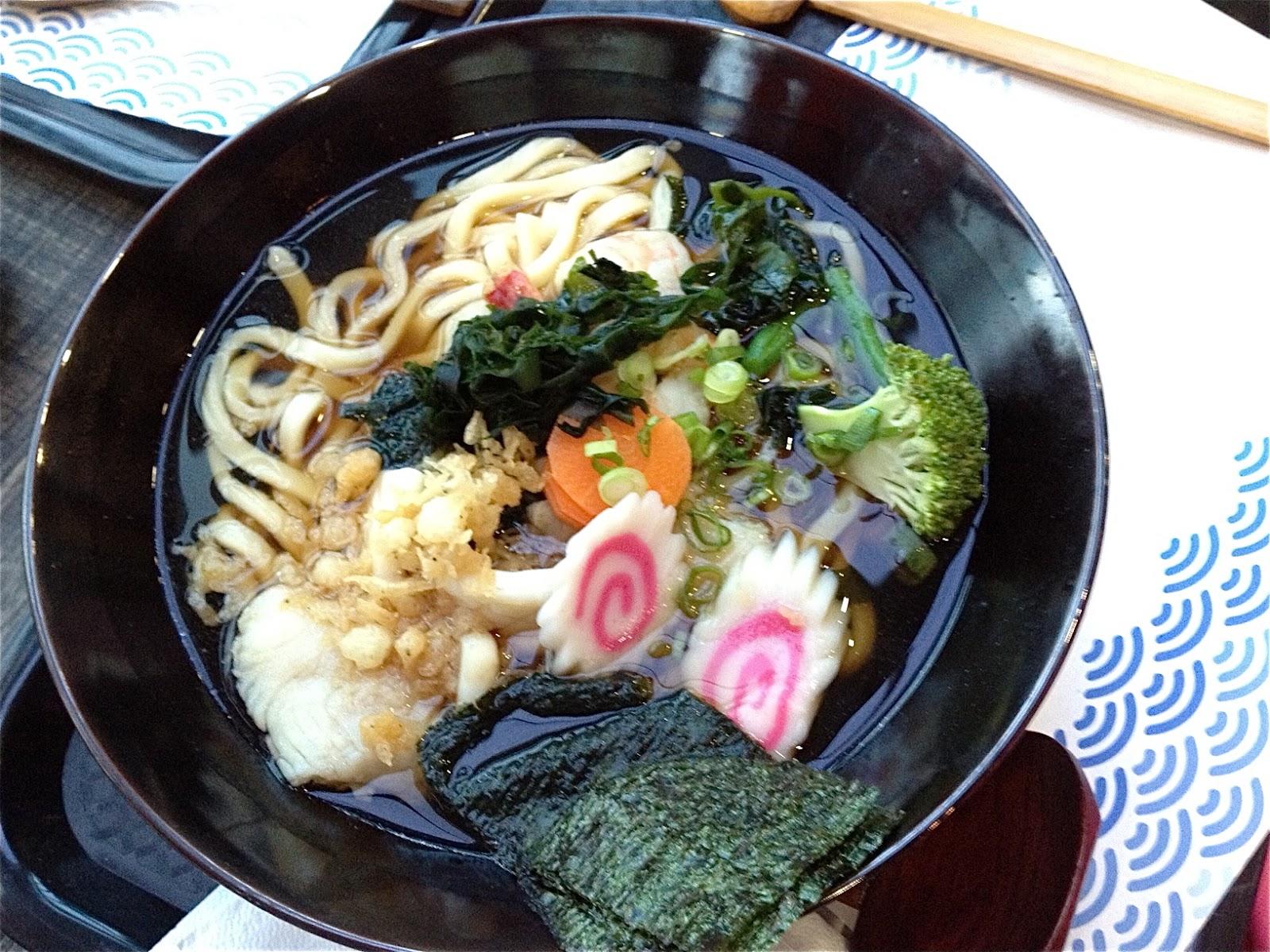 hana restaurant nabeyaki udon at tomo japanese cuisine nabeyaki udon ...