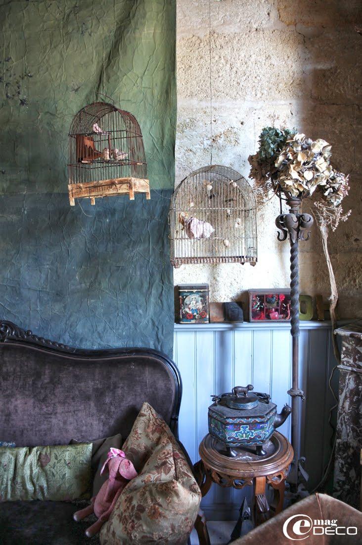 d co tableau personnaliser son int rieur pour la d fense des cages oiseaux utilis es comme. Black Bedroom Furniture Sets. Home Design Ideas