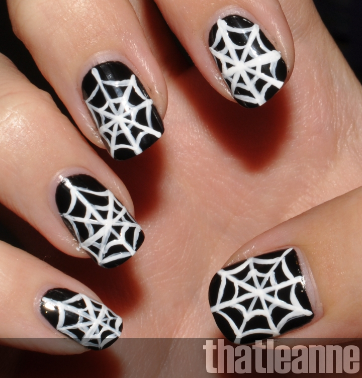 Thatleanne Simple Halloween Nail Art Ideas