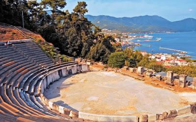 Αναστηλώνεται το προσκήνιο και το κοίλο του Αρχαίου Θεάτρου Θάσου