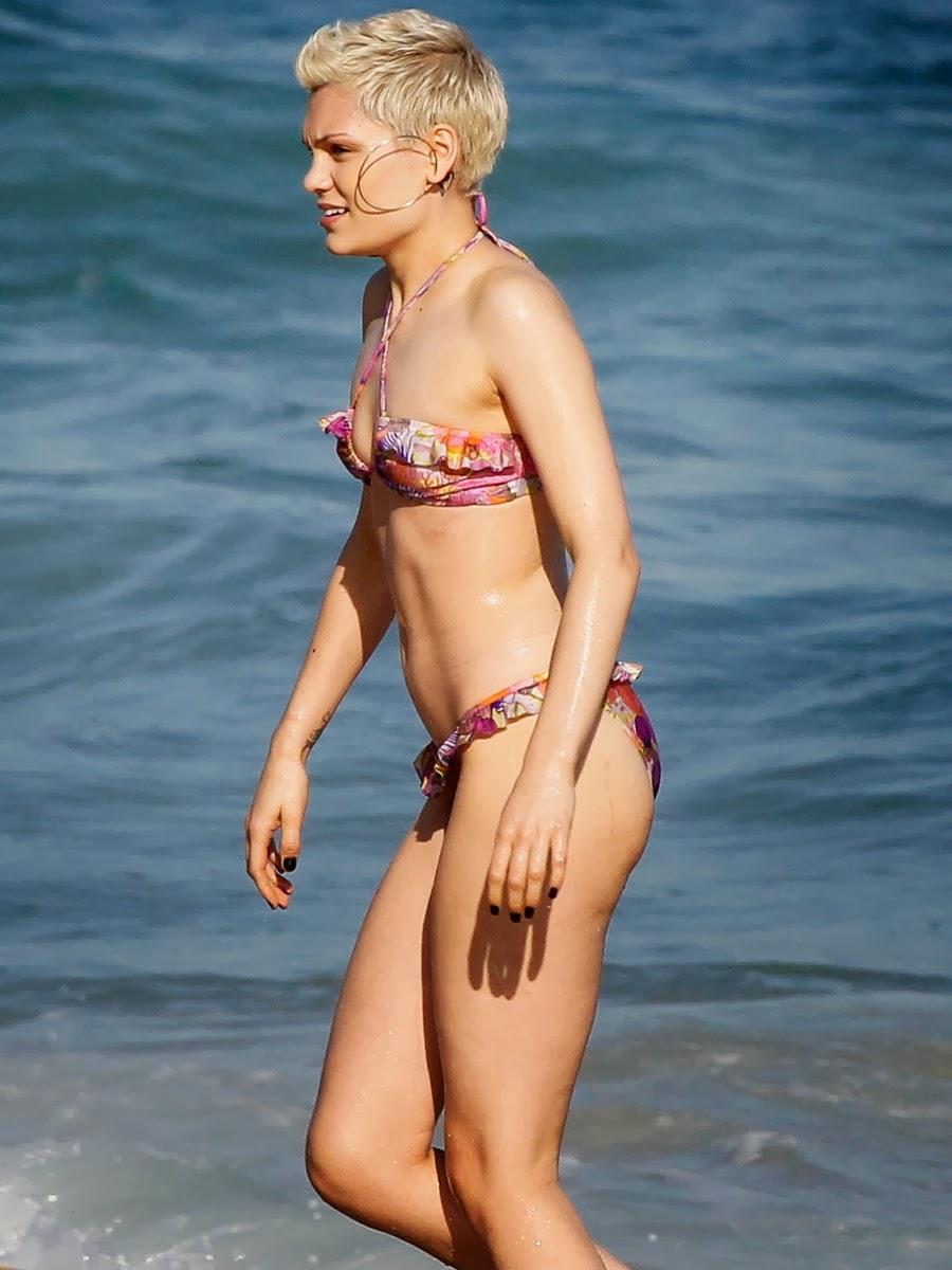 Jessie J bikinis in brazil