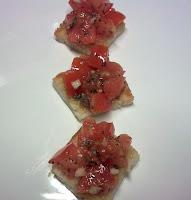 Tosta con Tomate y Albahaca.