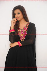 Gorgeous Isha Chawla Latest Spicy Hot Cute Photo Shoot Gallery Stills, salwar kameez