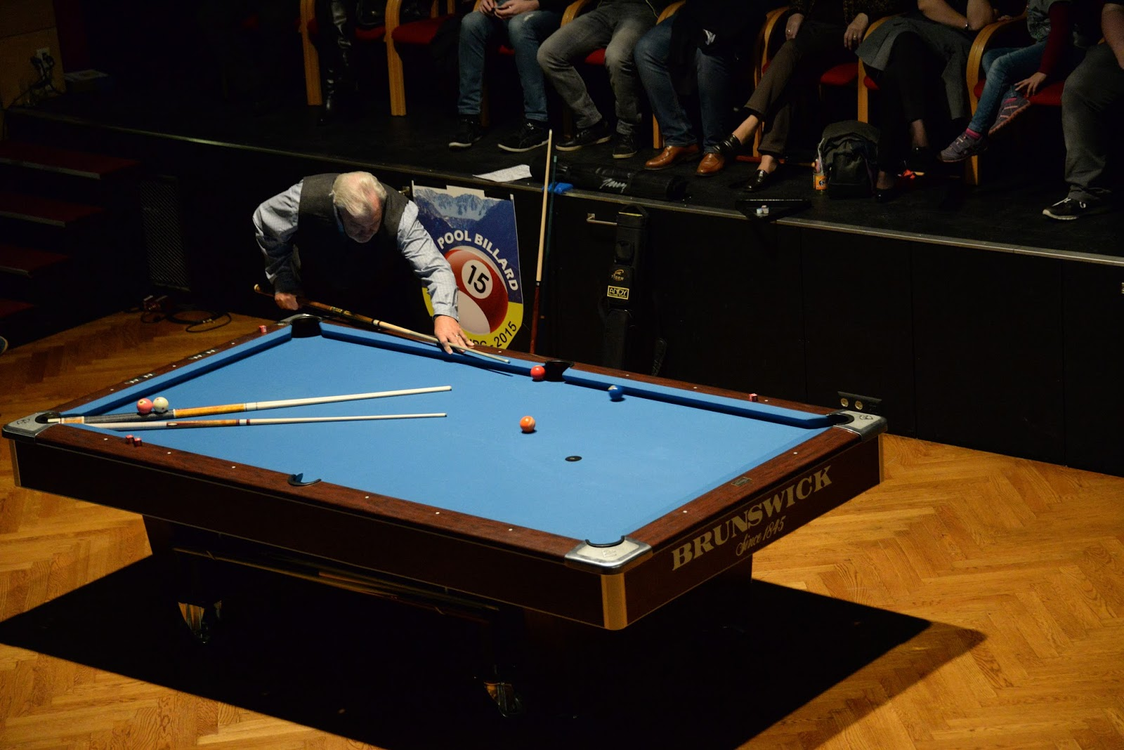 Berts Travels POOL BILLARD - Masse pool table