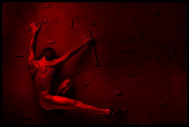 Akt artystyczny z serii Climbers. fot. Łukasz Cyrus