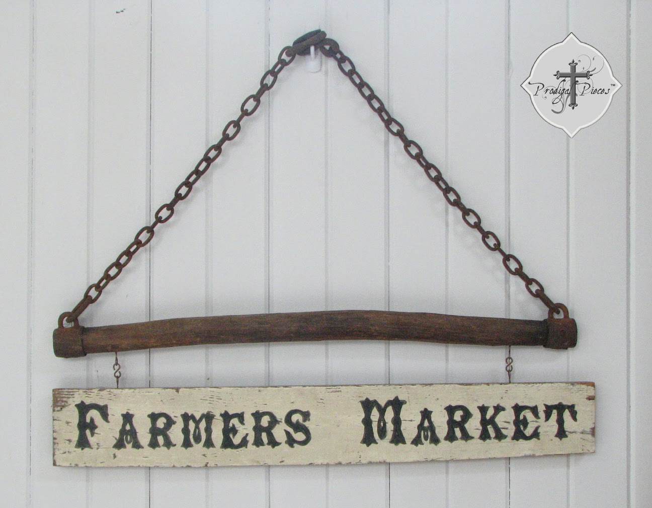 Repurposed Wood Sign via Prodigal Pieces @ http://knickoftimeinteriors.blogspot.com/