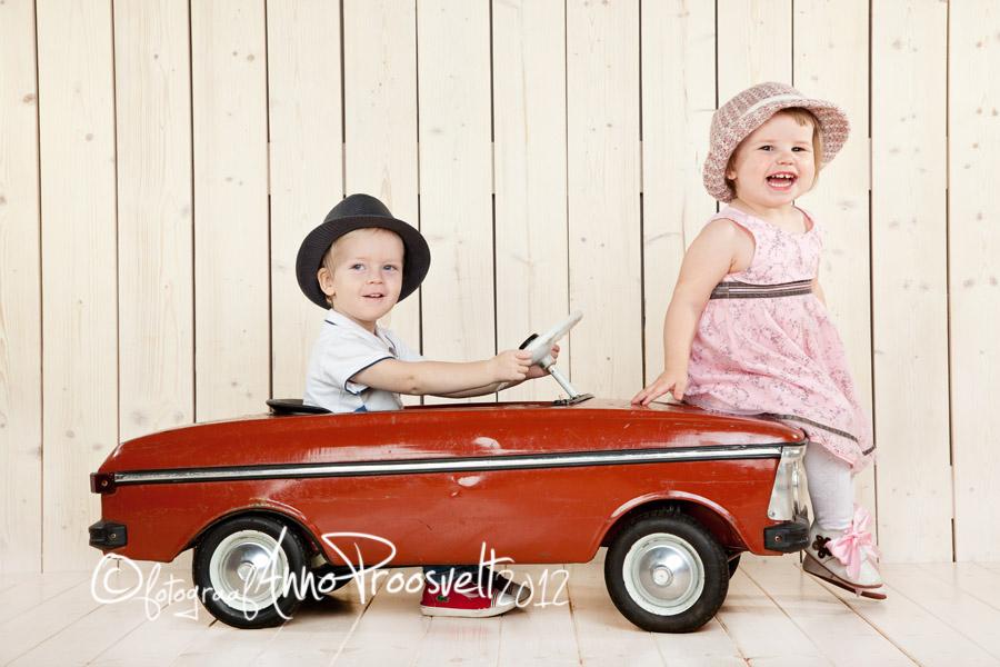 lapsed-punase-vintage-autoga-stuudios
