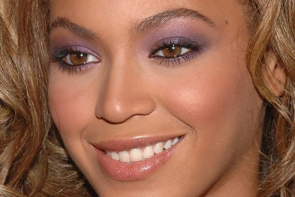maquilhagem romantica, romantic makeup, pink eyeshadow, sombra violeta,