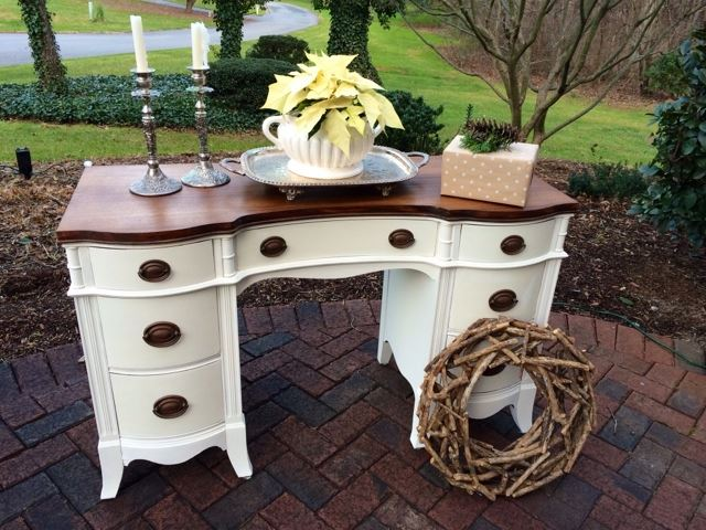 refinished desk, chalk paint, old white, how to shellac to keep from bleed through