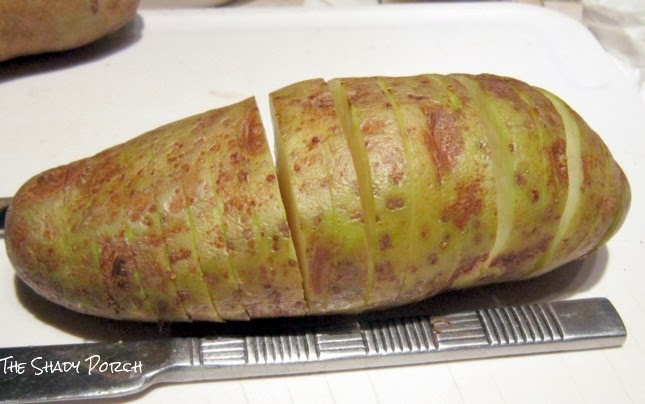 How to slice a Hasselback Potato