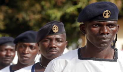 Luanda aguarda apenas por Bissau para libertar fundos para reforma das Forças Armadas