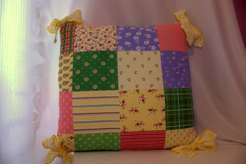 prezentów ciąg dalszy......poduszka na krzesło