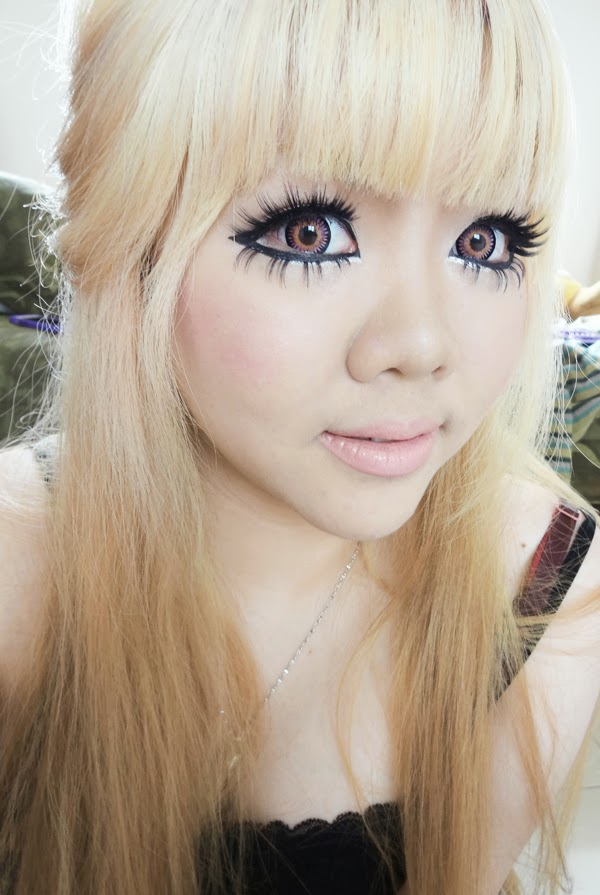 doll gyaru makeup