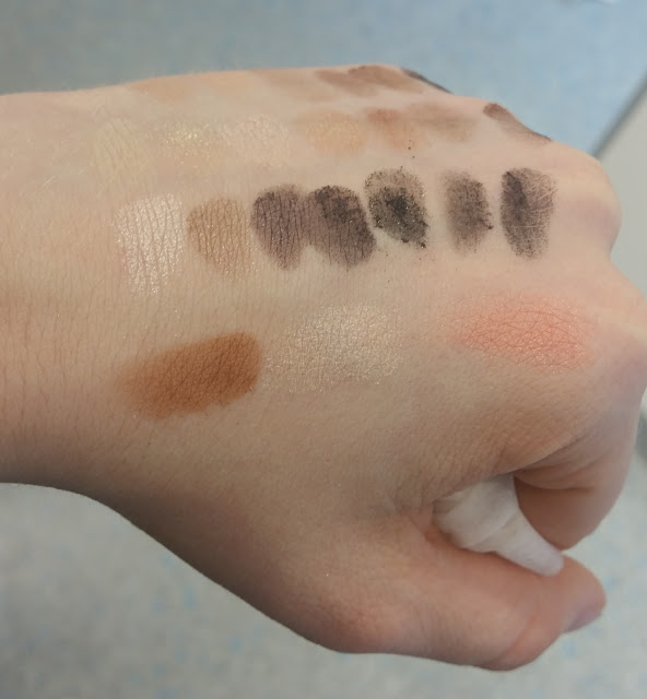 essence Master pieces Swatches Gorgeous glow