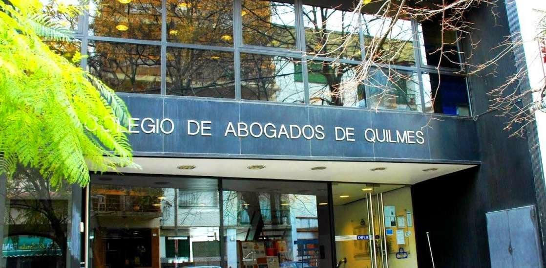 Colegio de abogados y grupos de interes