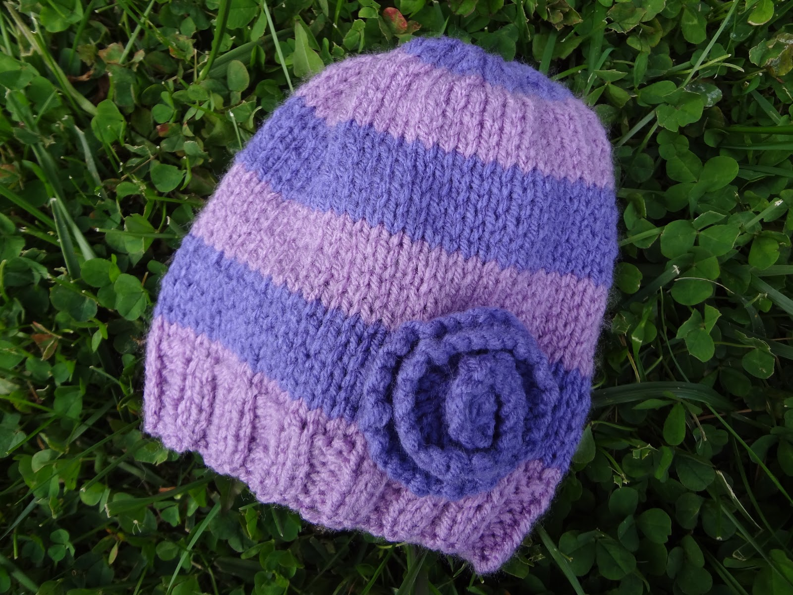 Knit Pattern For Baby Hat : Fiber Flux: Free Knitting Pattern...Very Violet Newborn Hat!