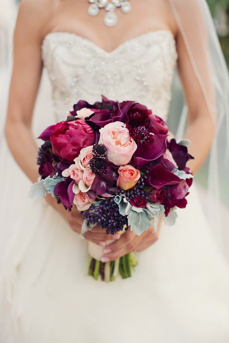 burgundy wedding bouquet
