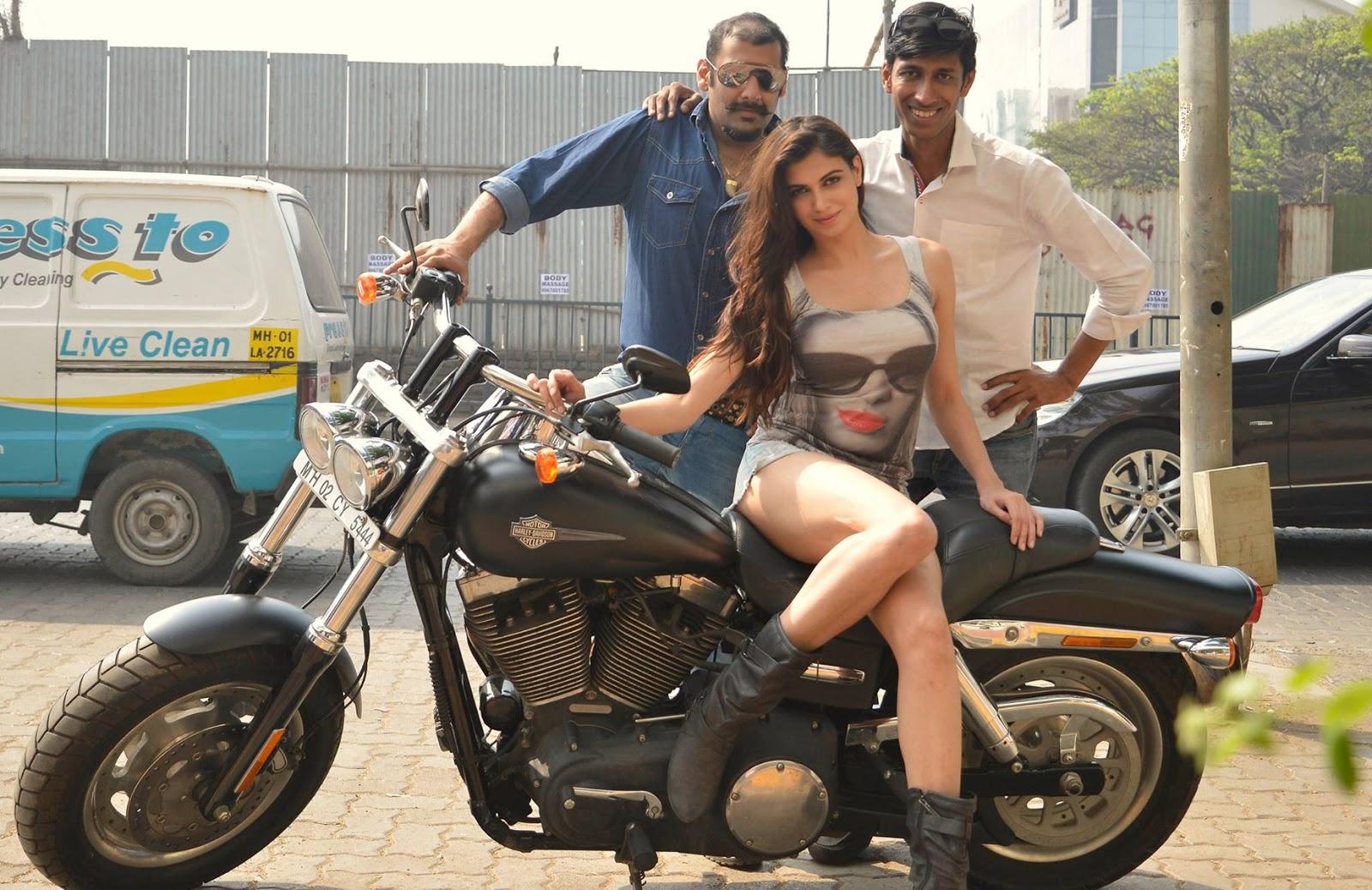 South Actress Nikesha Patel Latest Hot Stills - Sab Ka Mann