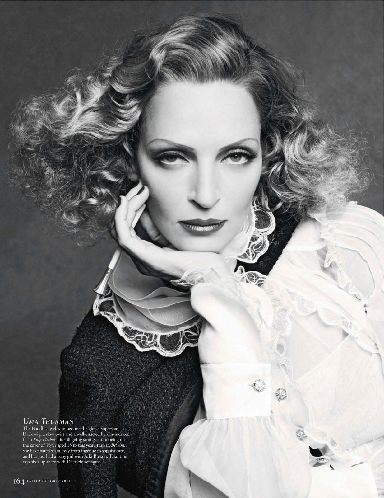 http://3.bp.blogspot.com/-0Veg-yEQYso/UEicv0leBAI/AAAAAAABr3I/OblCZaiCeIY/s1600/You-Looking-At-Moi-by-Karl-Lagerfeld-for-Tatler-UK-October-2012-5.jpg