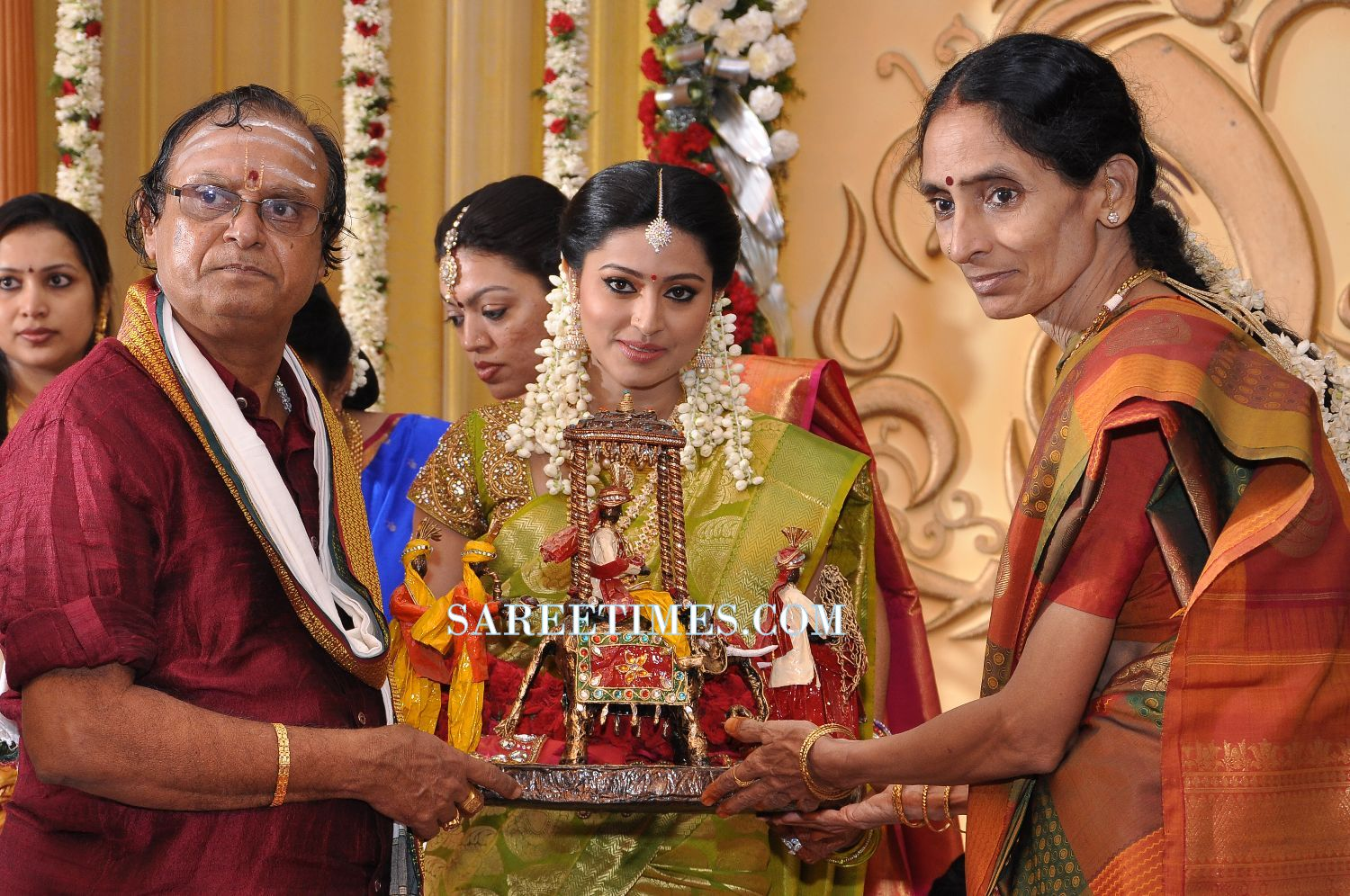 Actress Sneha Wedding Photos Sareetimes