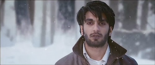 Screen Shot Of Hindi Movie Lootera (2013) Download And Watch Online Free at worldfree4u.com