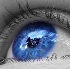 """""""Os olhos são a porta de entrada da alma. Jamais enganam ou escondem um sentimento."""""""