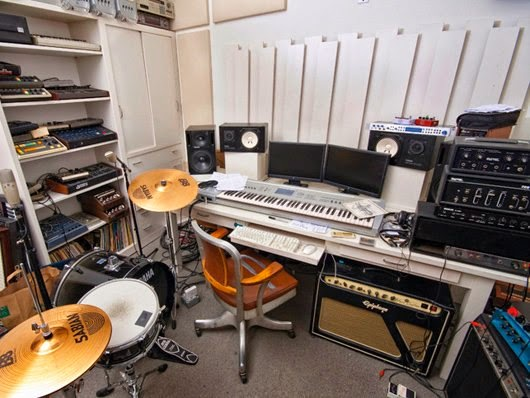 Домашняя студия Moby