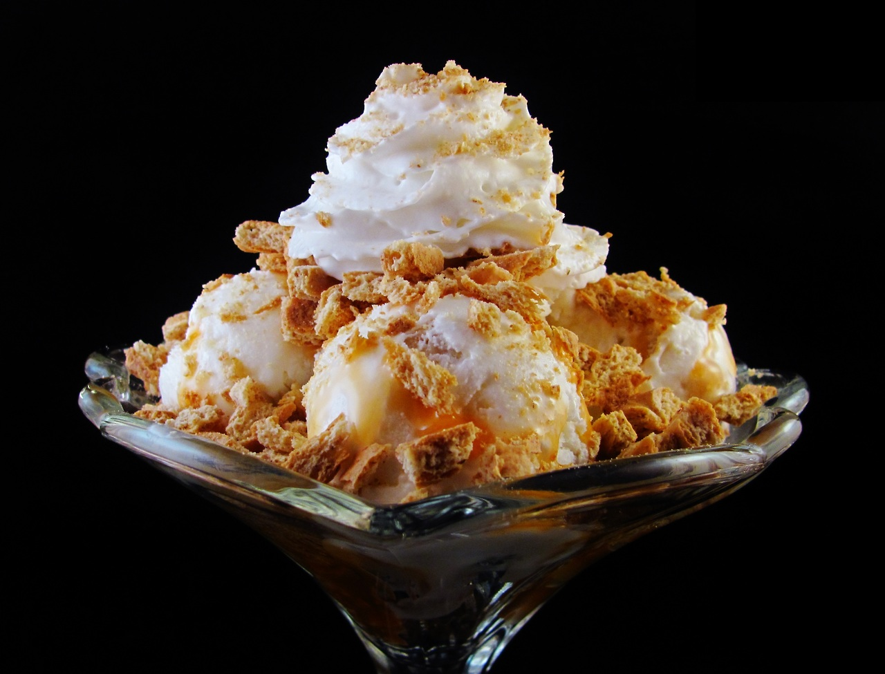... Scoop: Ice Cream Reviews: Turkey Hill Coconut Cream Pie Ice Cream