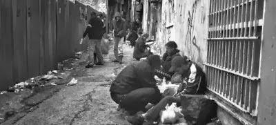 Έγχρωμες πόρνες - Ναρκωτικά - Λαθρομετανάστες και άνθρωποι στα σκουπίδια.