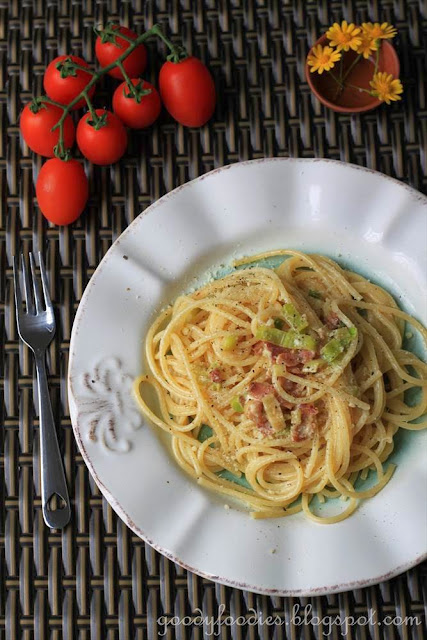 Spaghetti pasta with Pancetta and Leeks