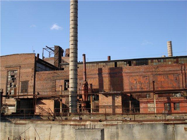 Бывший завод КЗТЗ начали растаскивать на металлолом