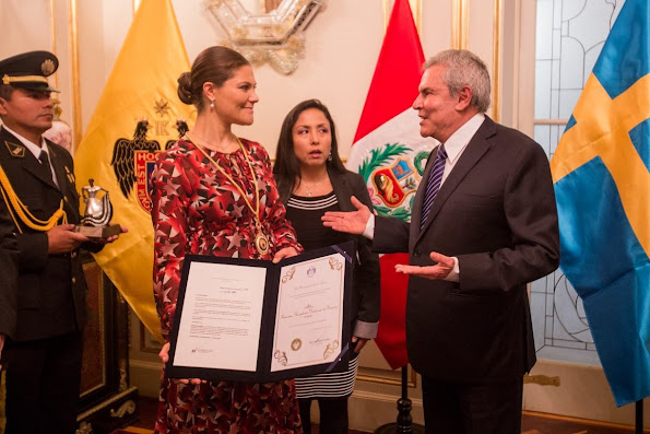 Crown Princess Victoria and Prince Daniel met with Mayor of Lima, Luis Castañeda Lossio at City Hall in Lima.