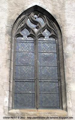 VEZELISE (54) - L'église Saint-Côme et  Saint-Damien