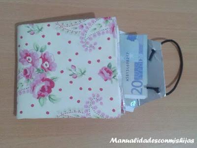 Monedero tetrabrick empaquetado dinero