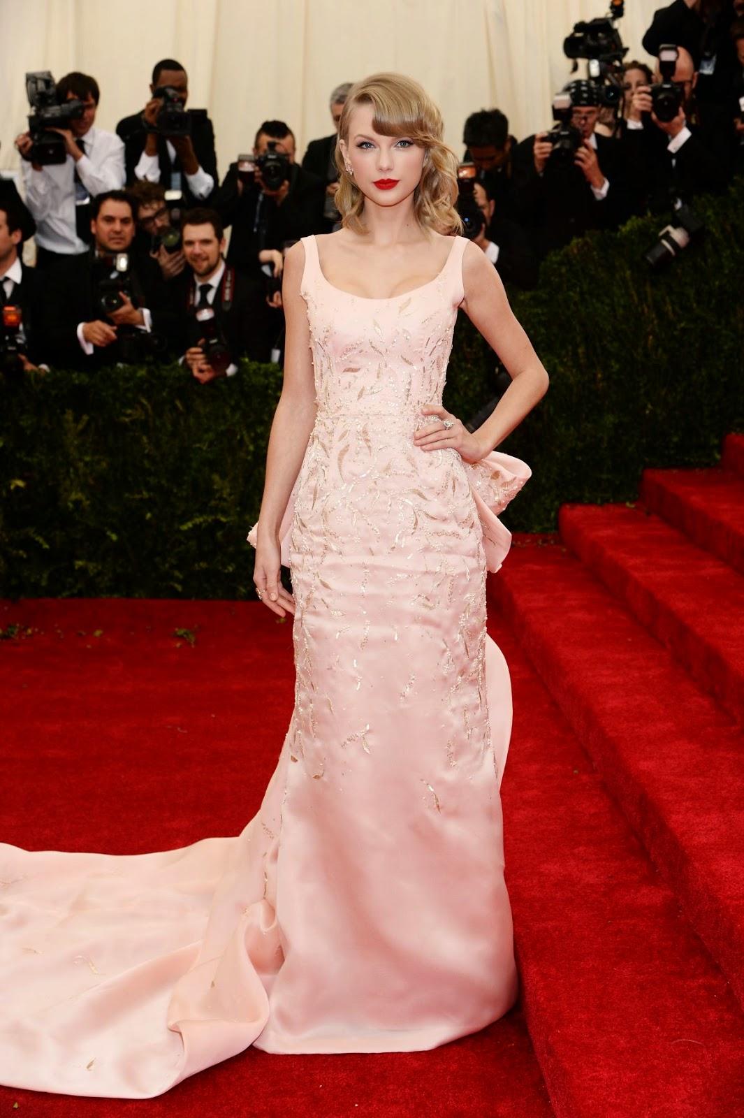 Taylor Swift wears pale pink Oscar de la Renta to the 2014 Met Gala