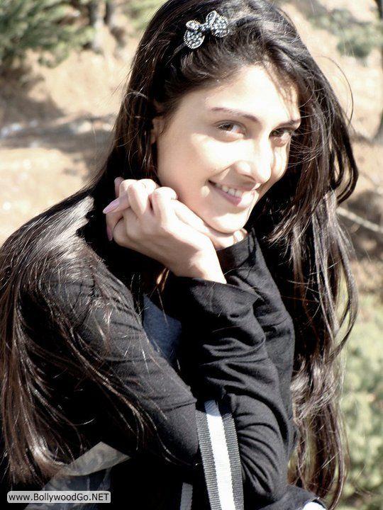 aiza khan 41 - Aiza Khan