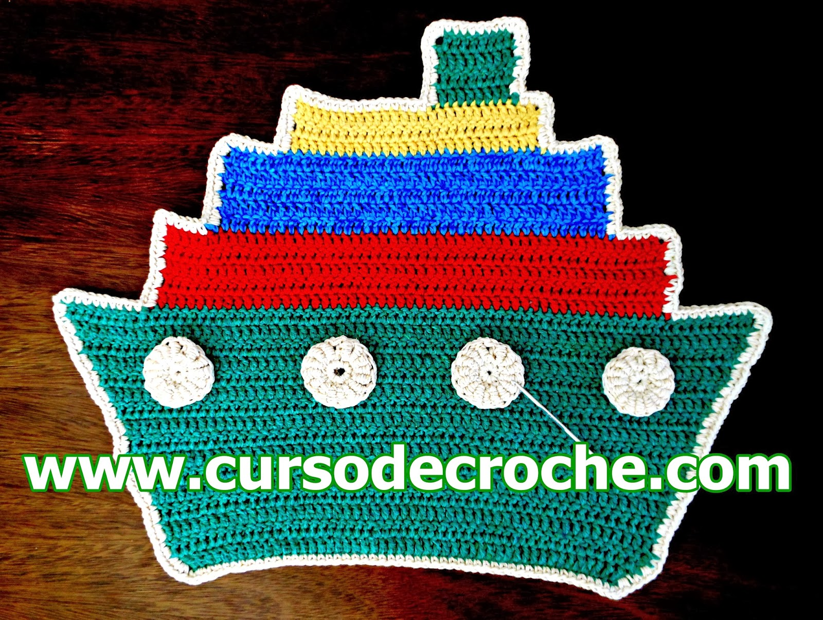 tapete navio colorido em croche da coleção aprendi e ensinei video-aula gratis com Edinir-Croche blog