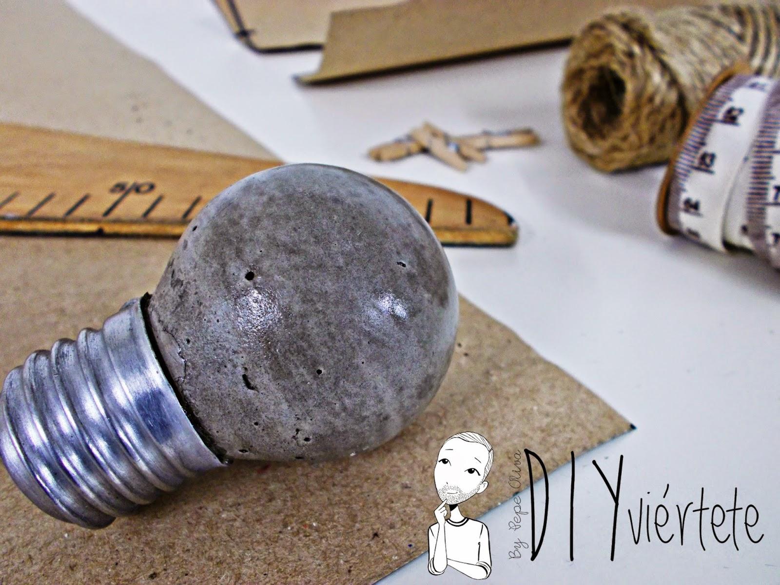 DIY-ideas-decoración-cemento-bombilla- (1)