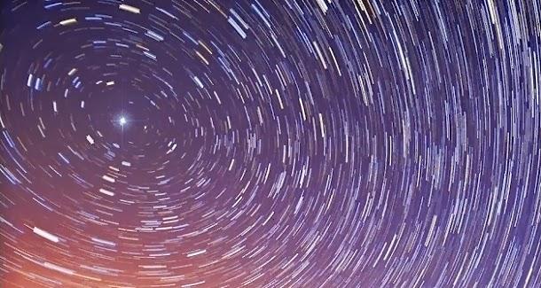 A estrela polar está a ficar mais brilhante