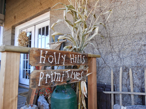Holly Hills Primitives